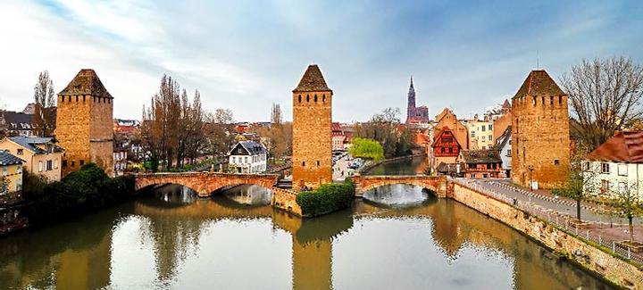 vuelos baratos estrasburgo desde 58 ofertas de vuelos directos a estrasburgo sxb. Black Bedroom Furniture Sets. Home Design Ideas