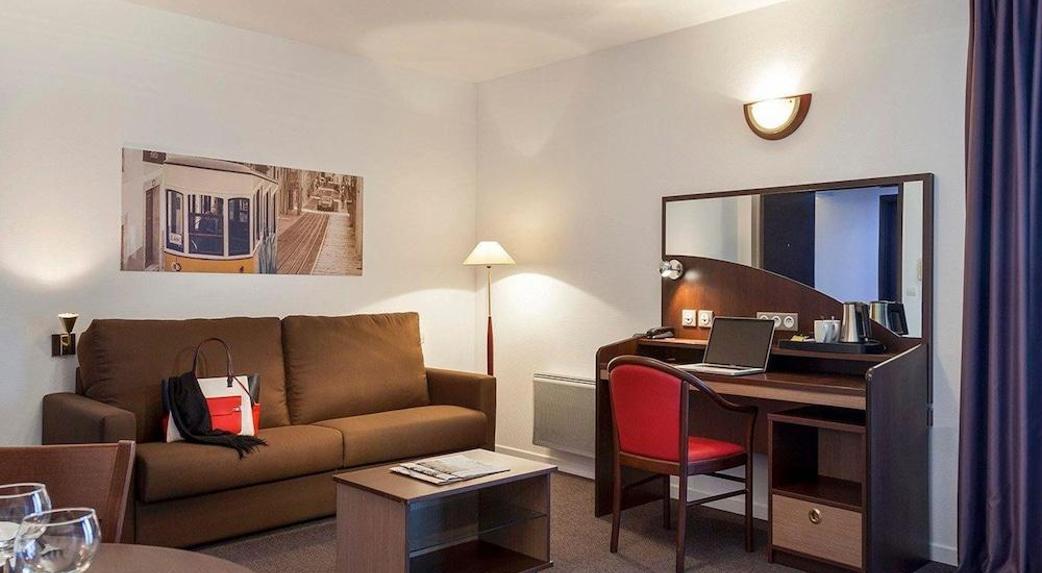 Comfort Suites Port