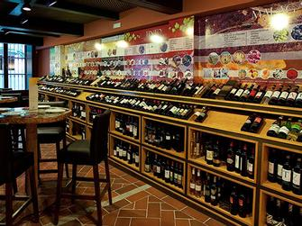 Cata de vinos en Los Patios de Beatas