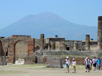 Las ruinas de Pompeii y visita panorámica de napoles