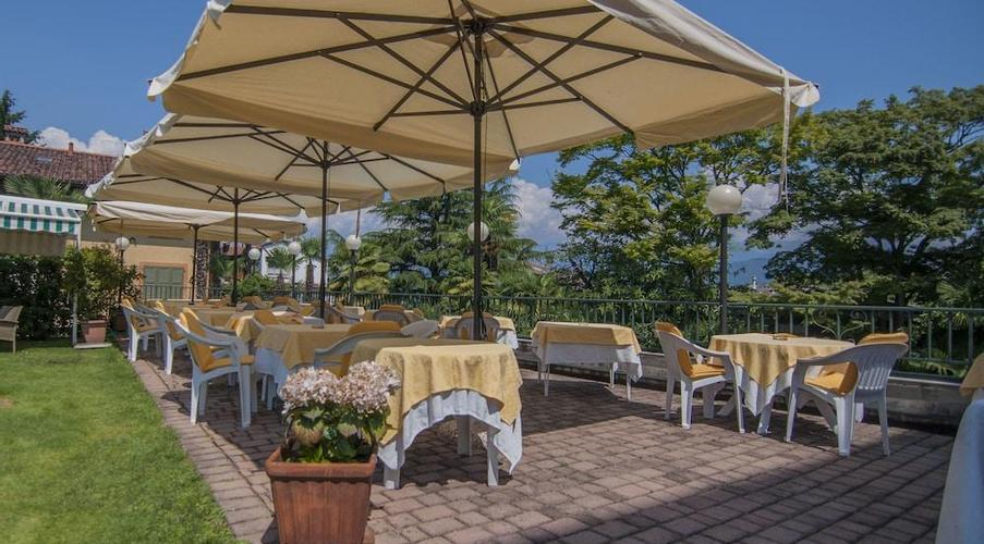 11 STRESA - FLORA HOTEL IN MEZZA PENSIONE