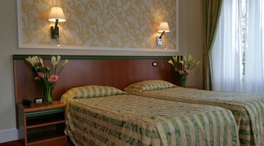 14 STRESA - FLORA HOTEL IN MEZZA PENSIONE