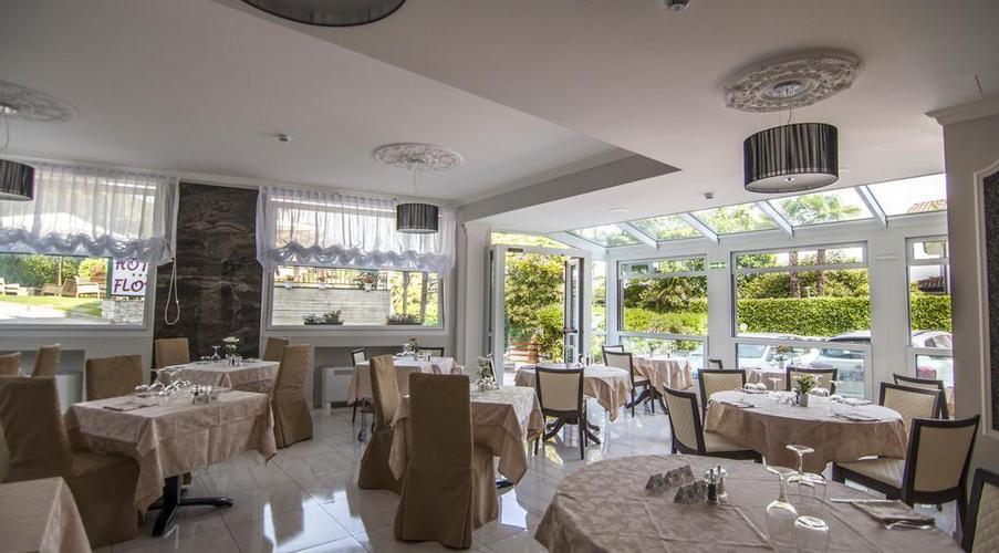 21 STRESA - FLORA HOTEL IN MEZZA PENSIONE