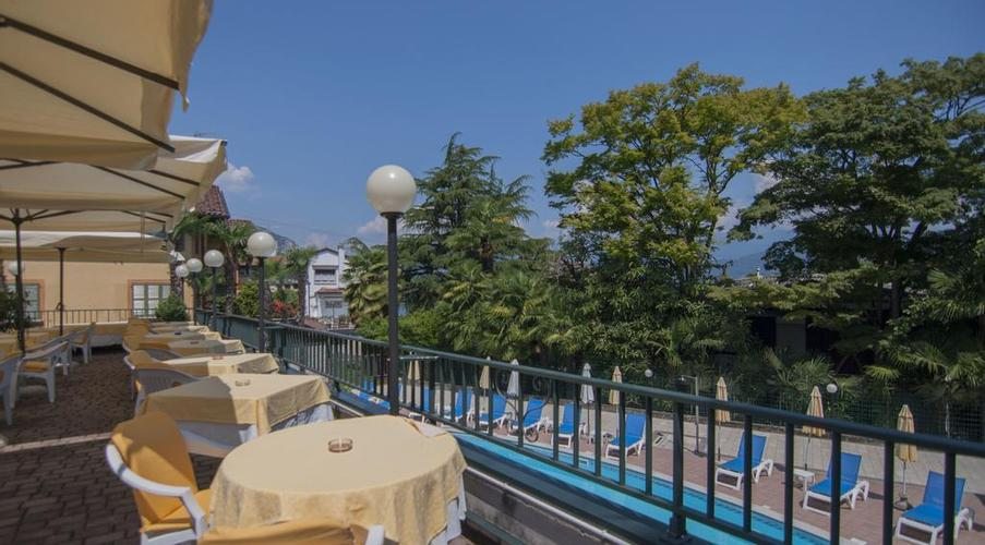 28 STRESA - FLORA HOTEL IN MEZZA PENSIONE