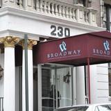 Broadway Hotel & Hostel