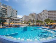 Green Field Aparthotel